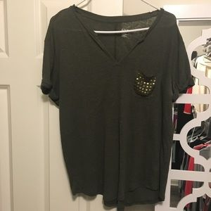 Studded pocket olive green vneck lightweight top